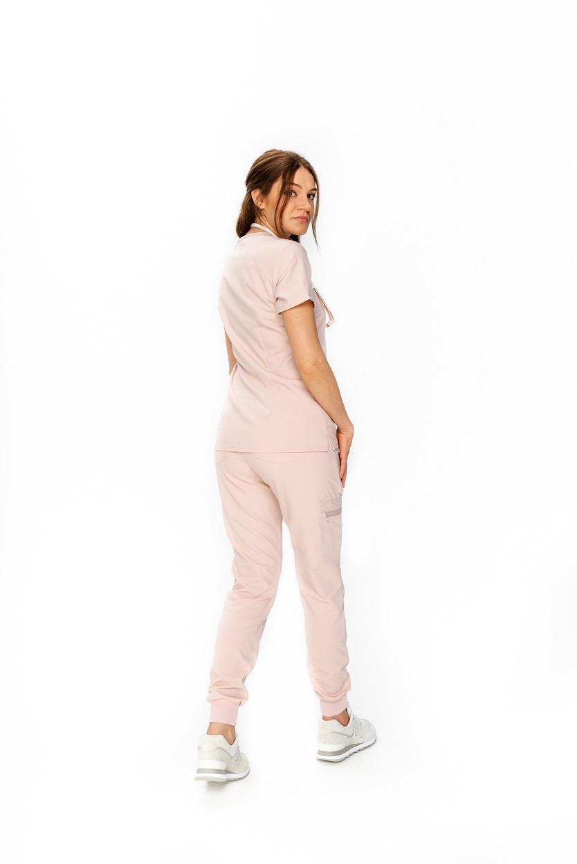 pastelowa odzież medyczna